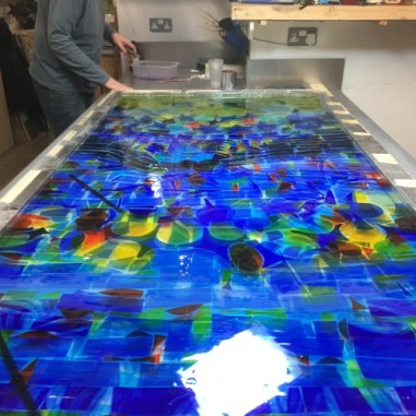 coloured-glass-toughened-cast-resin-floaters